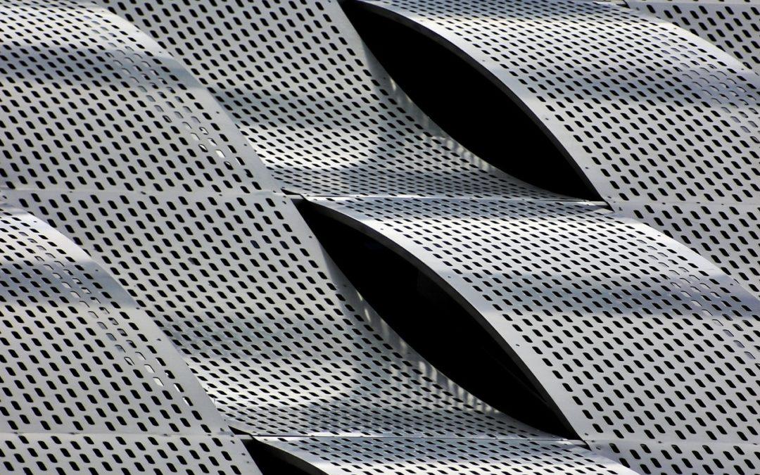 La sabbiatura e la verniciatura dell'acciaio inox, cosa sono e maggiori applicazioni